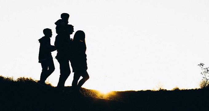 عواملی که در سبک فرزند پروری تاثیر می گذارند: